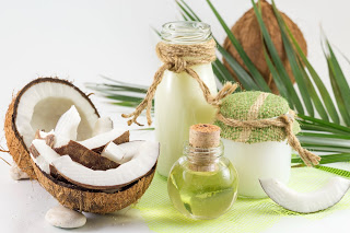 Coconut products with fresh coconut, Coconut milk and oil